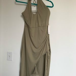 💚sexy green halter dress 💚 NWT